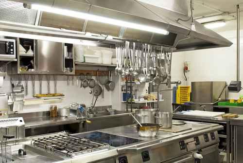 degraissage hotte de cuisine professionnelle