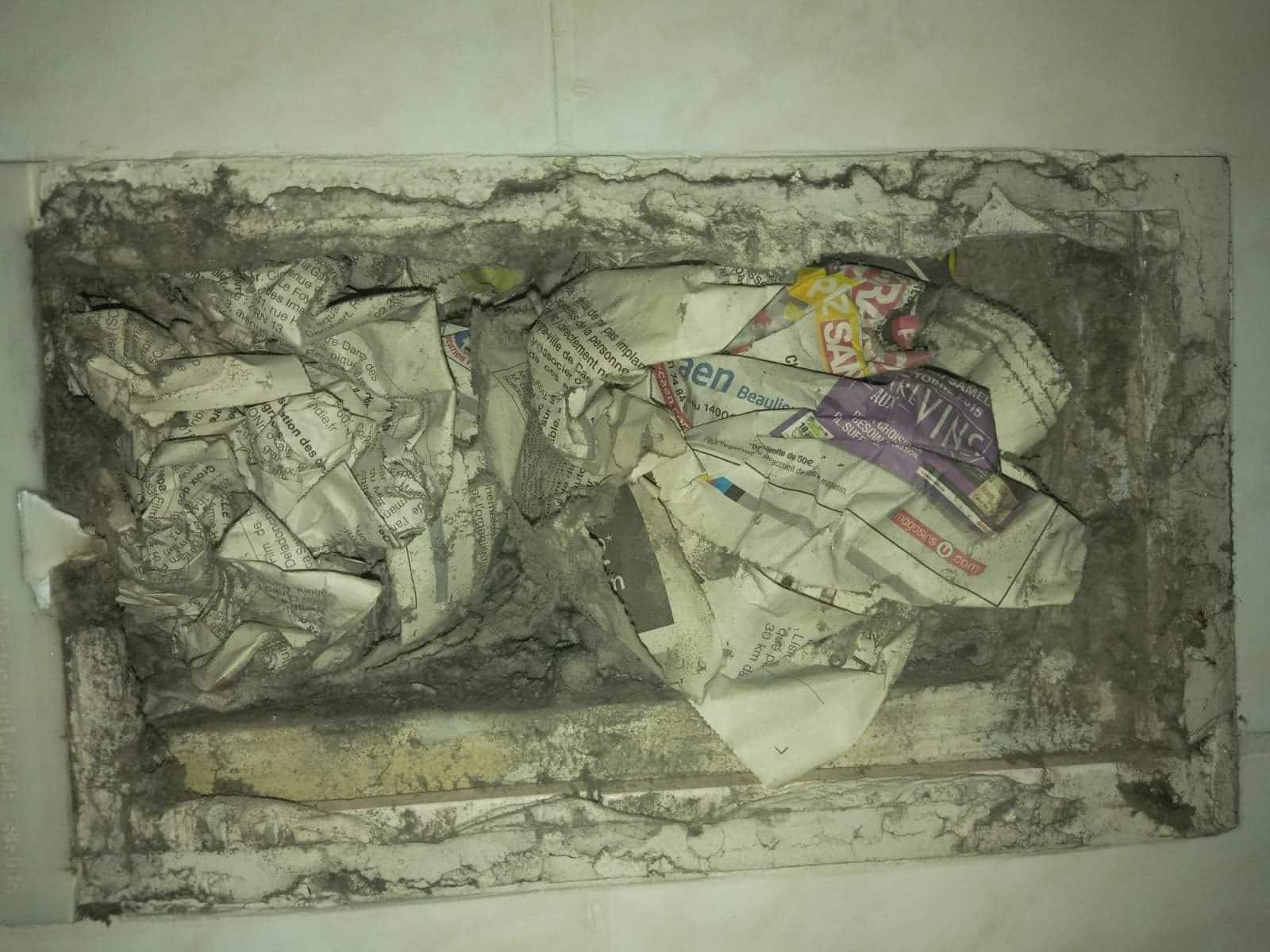 journal dans aération mur